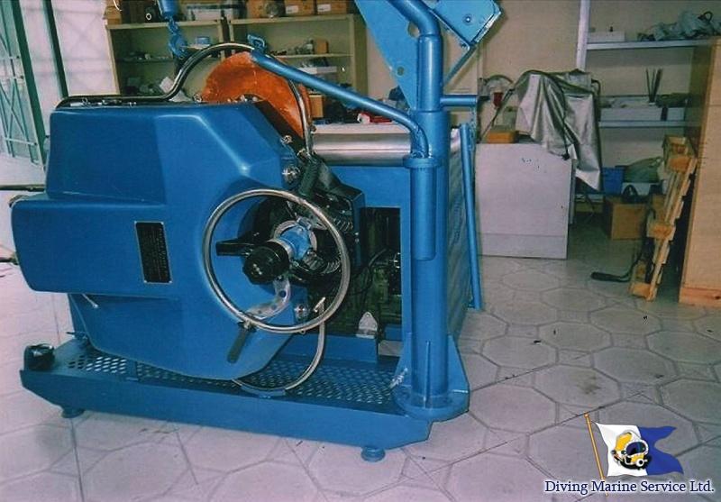 Brush-Kart system for underwater hull cleaning